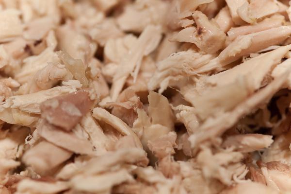 Hähnchenfleisch zerkleinert