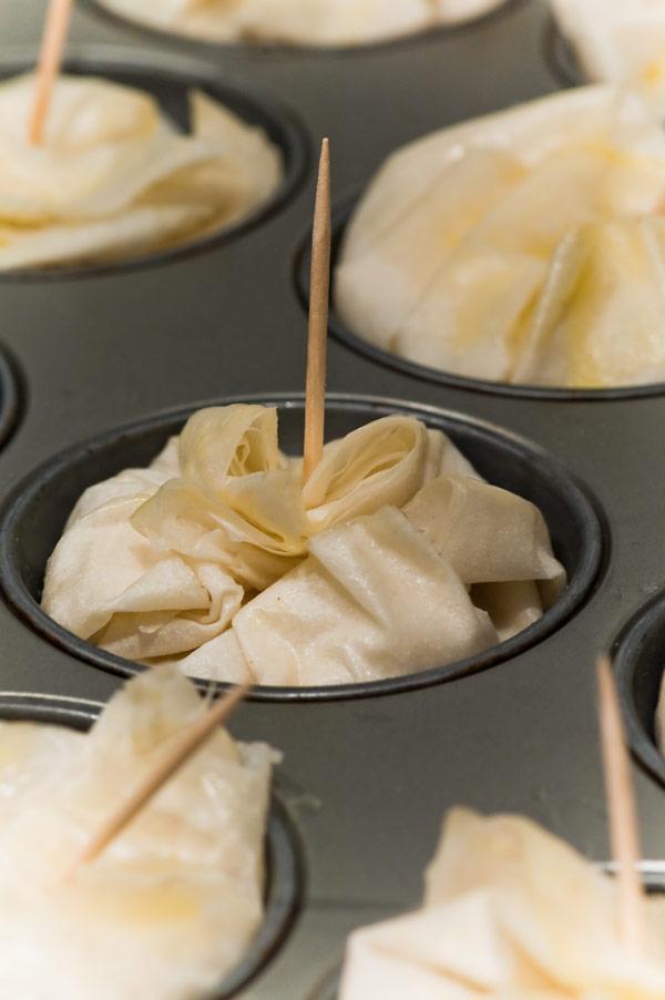Gemüse Samosas im Filoteig aus der Muffinform