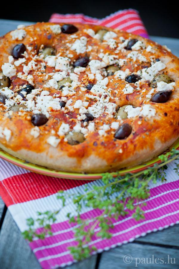 Gefülltes Pizzabrot mit Sauerteig