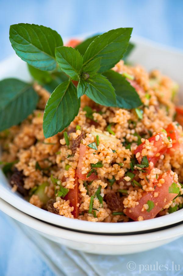 Couscous Salat mit dunklem Sesamöl